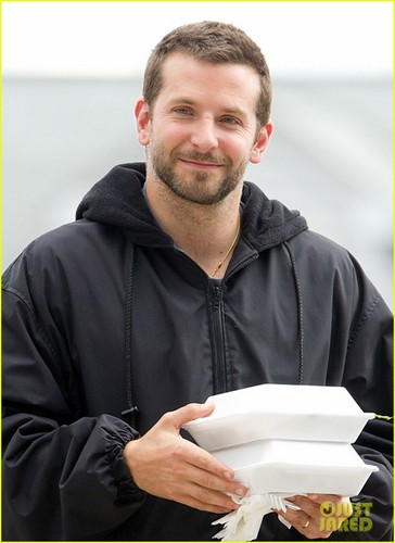 Bradley Cooper Set to ngôi sao in 'U.N.C.L.E.'?
