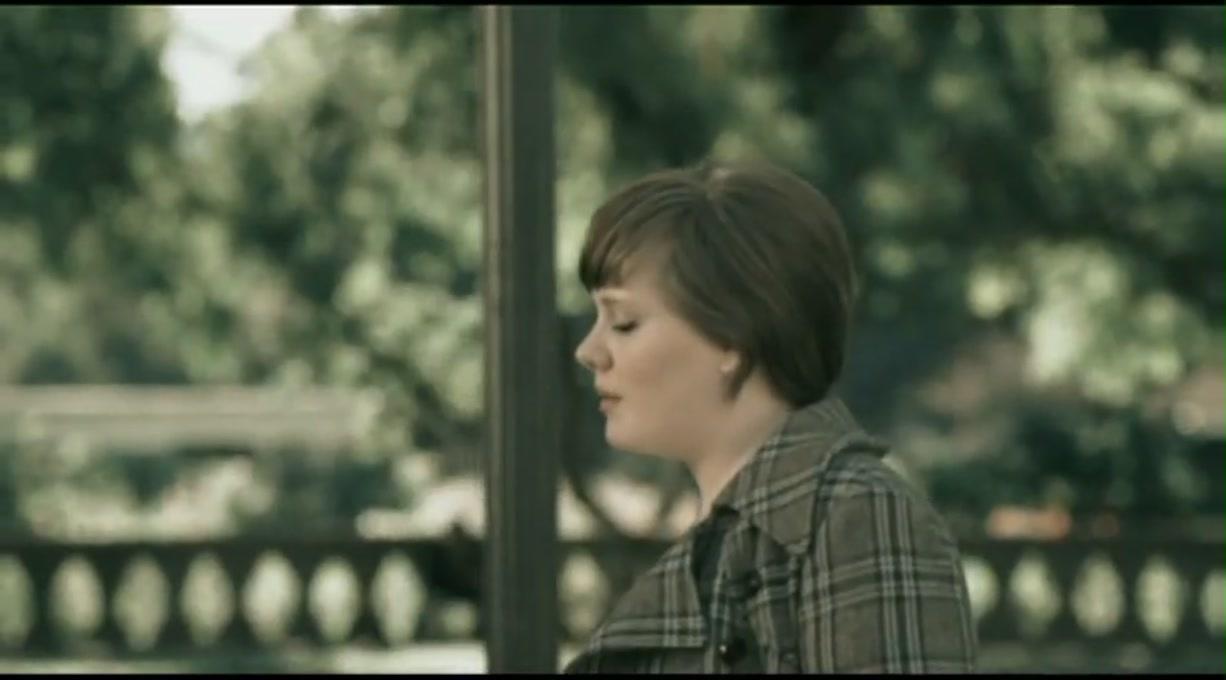 Adele - Chasing Pavements Lyrics