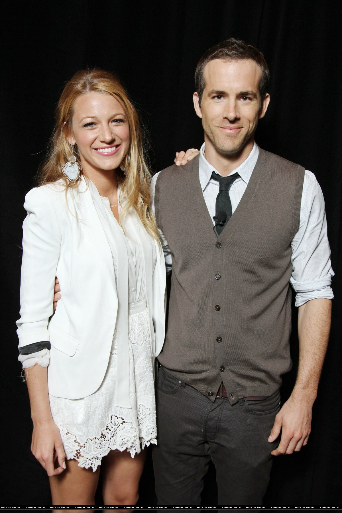 Ryan Reynolds And Blake Lively Cinema Con 2011 - Blak...