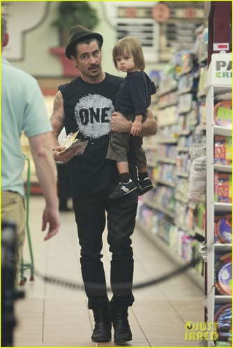 Colin Farrell: Shopping with Henry!