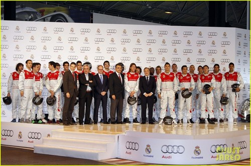 Cristiano Ronaldo: Go Kart Racing With Real Madrid Players!