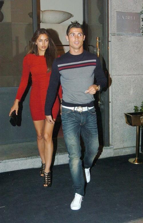 Irina Shayk Beach Ronaldo Ronaldo And Irina Shayk