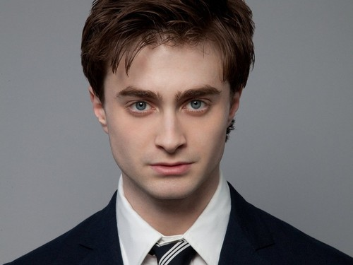 Daniel Radcliffe wallpaper containing a business suit, a suit, and a three piece suit entitled Daniel Radcliffe Wallpaper