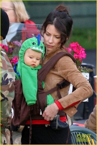 Evangeline Lilly - Saturday (October 22) in Vancouver, British Columbia, Canada.