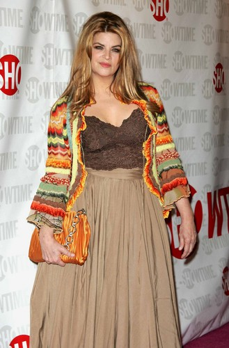 Kirstie Alley wallpaper possibly with a koktil, koktail dress and a baju rok, gaun titled Fat Actress Premiere