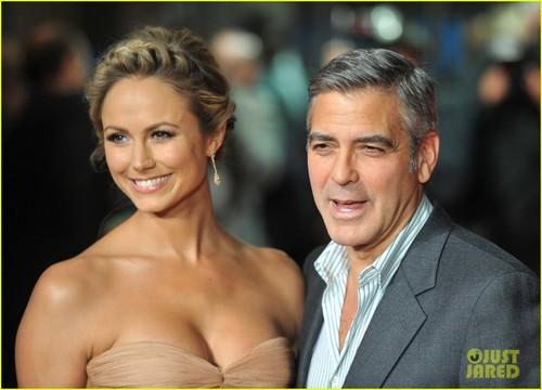 George Clooney & Stacy Keibler: 'Descendants' Premiere!