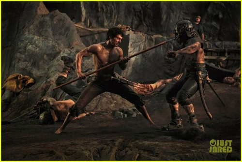 Henry Cavill: New 'Immortals' Stills!