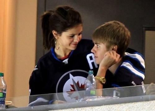 Justin Bieber and Selena Gomez 2011