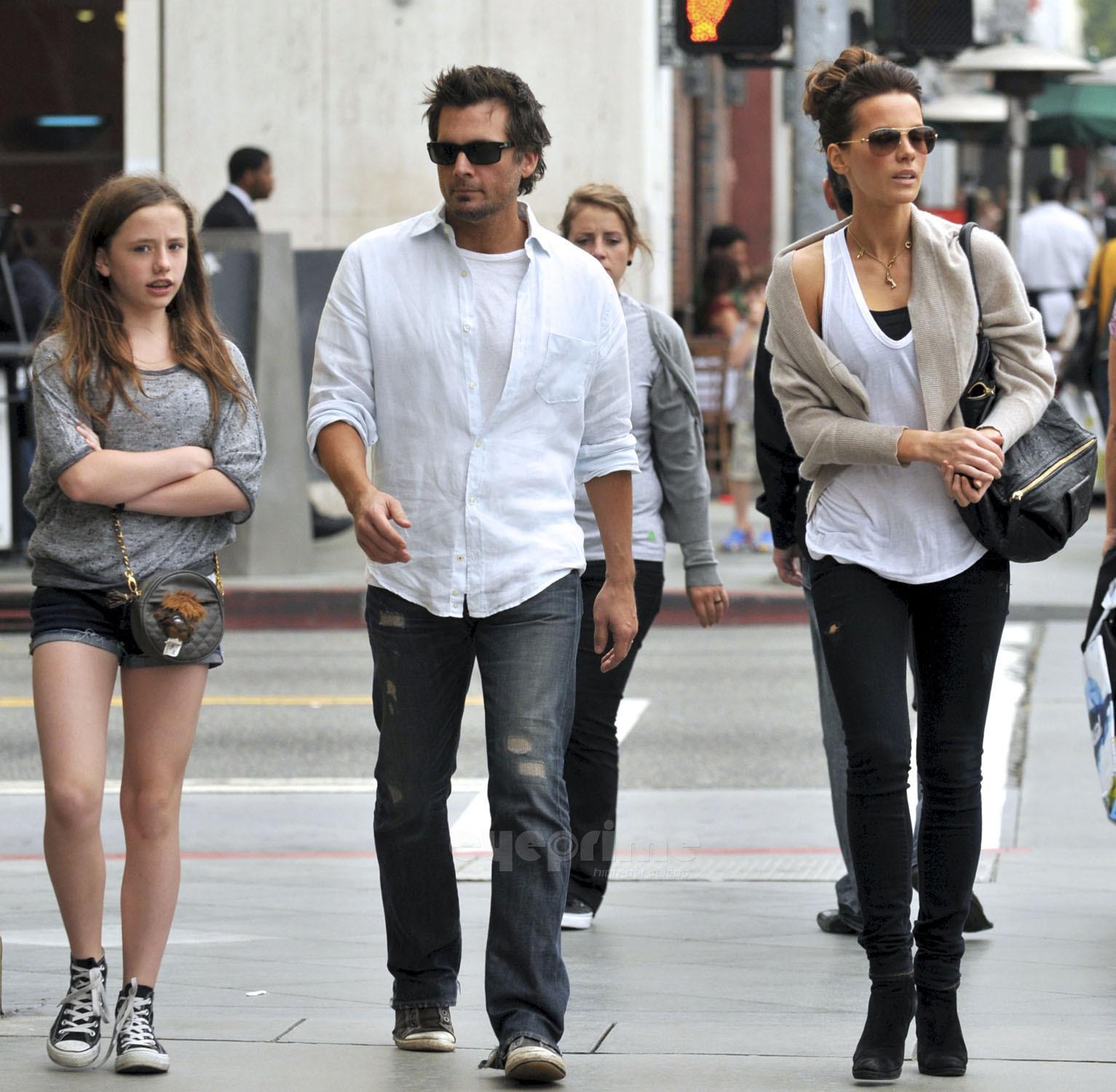 Кейт бекинсейл с детьми фото