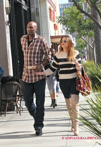 Khloe and Lamar out and about in Beverly Hills - 21/10/2011