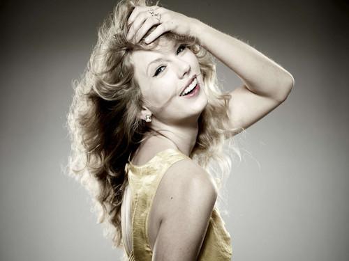 Lovely Taylor karatasi la kupamba ukuta ❤