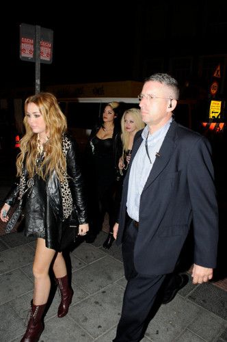 Miley~ New Pics