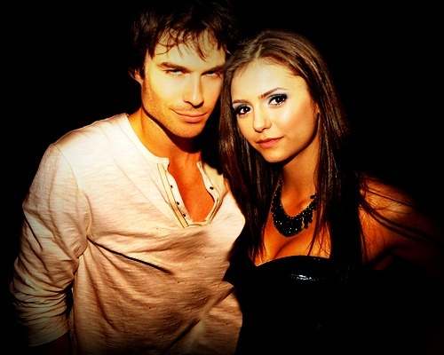 Ian Somerhalder e Nina Dobrev wallpaper probably containing a well dressed person, a playsuit, and a portrait called Nian manip <3