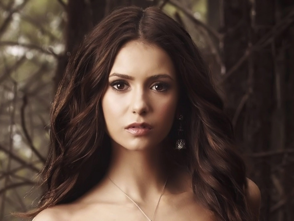 Nina Dobrev wallpaper ❤
