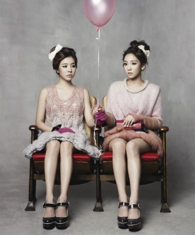 Taeyeon and Sunny-Singles Magazine November Issue
