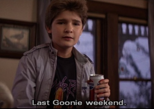 The Goonies দেওয়ালপত্র probably containing alcohol and a coffee break titled The Goonies
