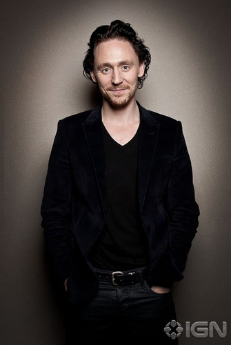 Tom Hiddleston - New York Comic-Con Portraits @ IGN 电影院