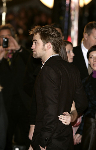 """Breaking Dawn: Part 1"" Brussels प्रशंसक Event [HQ]"