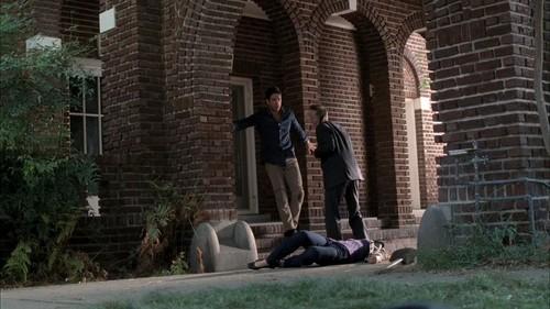 আমেরিকান ভয়ের গল্প দেওয়ালপত্র with a রাস্তা and a portcullis entitled 1x03 - Murder House