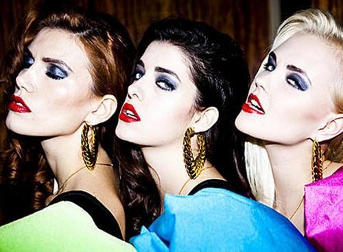 3 girls 4 wewe