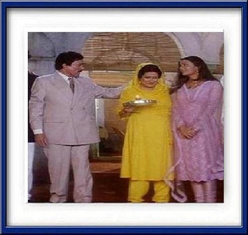 Aishwarya Rai, Moushumi Chatterjee & Super estrella Rajesh Khanna