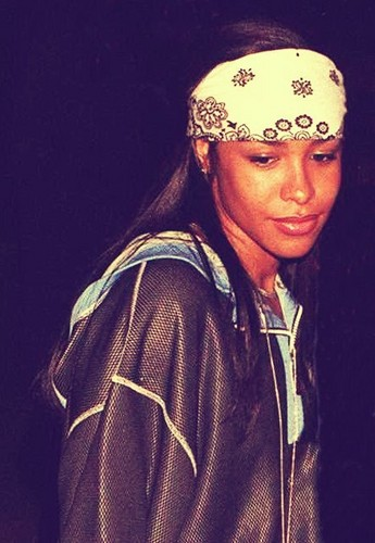 Aaliyah wallpaper titled Beautiful Aaliyah ♥