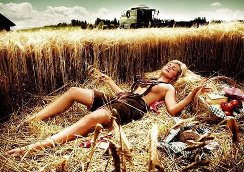 Beautiful_Farmer-Girls
