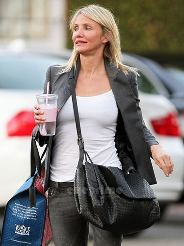 Cameron Diaz spotted after getting her Hair done in BevHills, Oct 27
