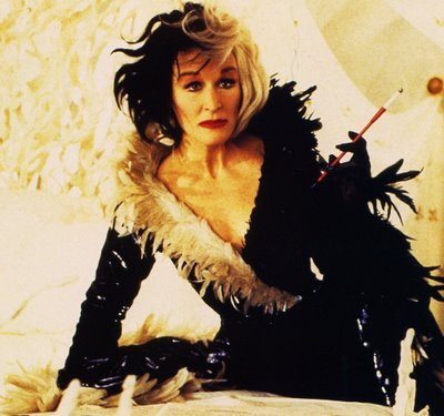 cruella glenn close as cruella de vil photo 26323026. Black Bedroom Furniture Sets. Home Design Ideas