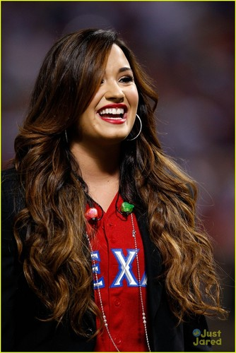 Demi Lovato: World Series National Anthem!