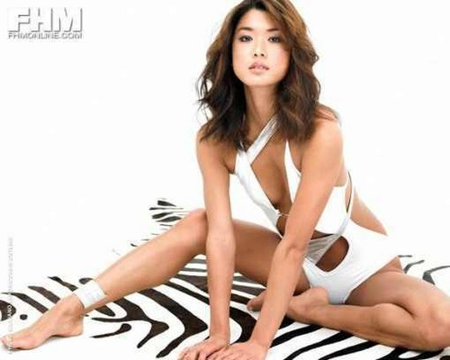 Grace Park wallpaper containing attractiveness and skin titled Grace <33