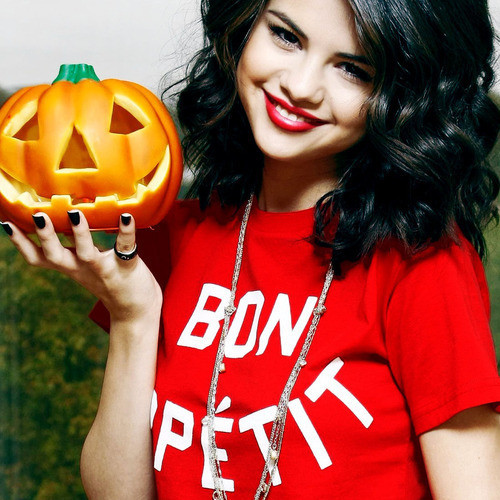 Halloween Selena Marie Gomez Halloween Photo 26383987 Fanpop