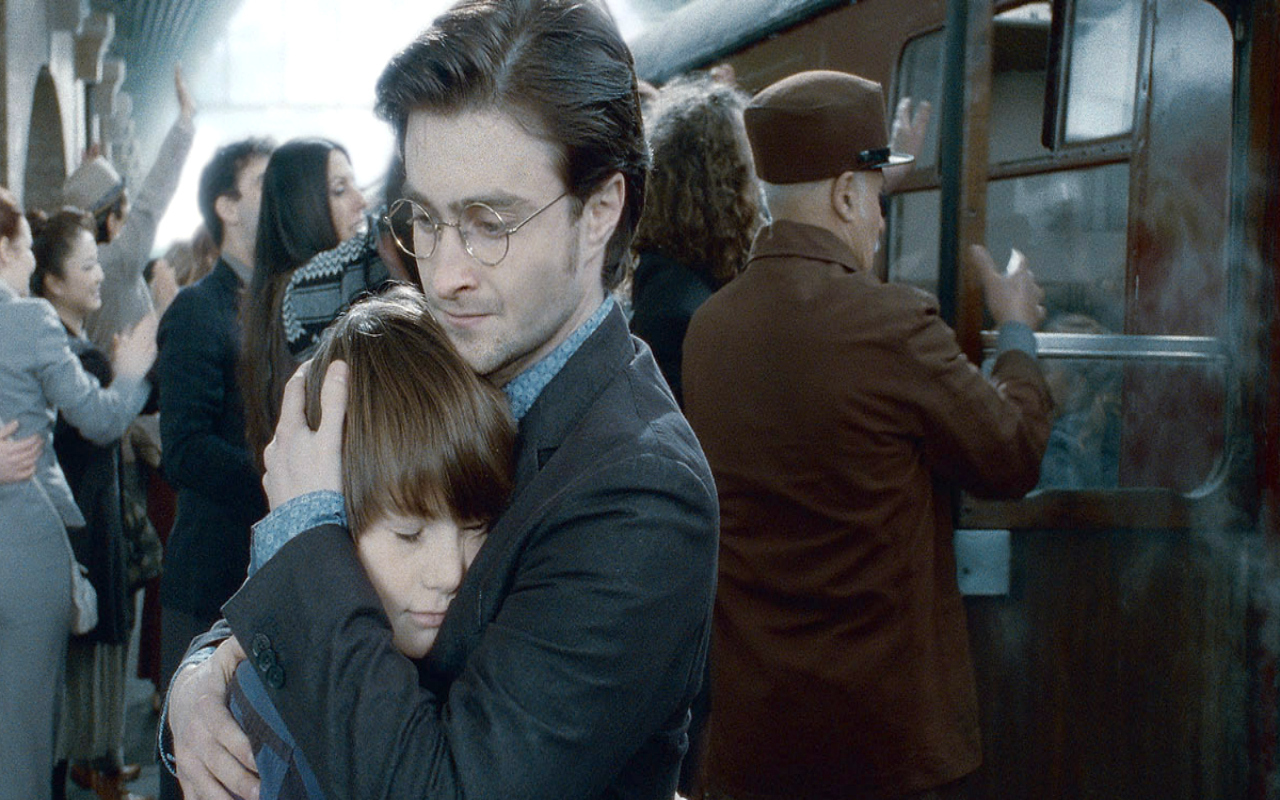 Are ron and hermione dating in harry potter 8