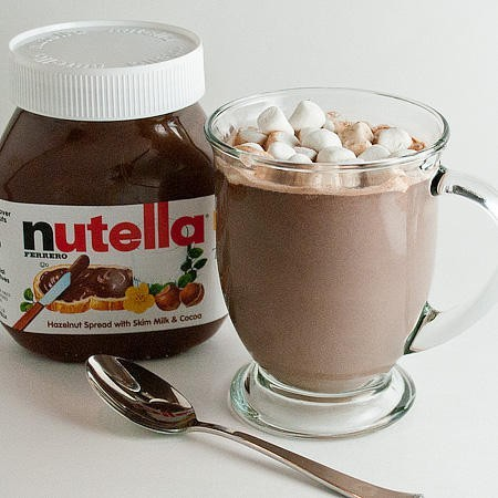 Nutella Hintergrund probably with a cupcake, a sweet pickle, and a coffee break entitled Hot Nutella Schokolade