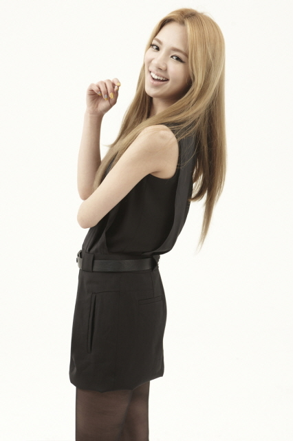 Girls' Generation/So Nyeo Shi Dae (SNSD) Hyoyeon-The-Boys-kim-hyoyeon-of-snsd-26334154-426-640