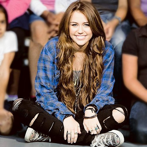 Its The AMAZING Miley!! <3