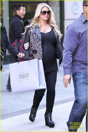 Jessica Simpson: Bergdorf Goodman Shopping Spree!