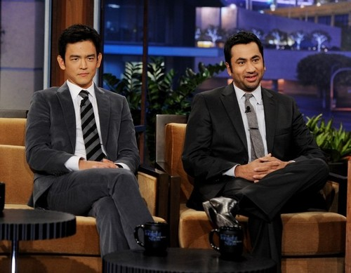 John Cho & Kal Penn on 'The Tonight Show With 어치, 제이 Leno'
