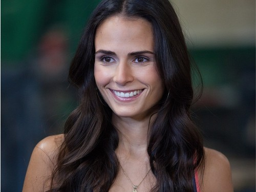 Jordana Brewster wallpaper containing a portrait titled Jordana Brewster Wallpaper