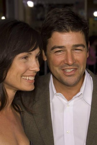 Kyle - The kingdom premiere - kyle-chandler Photo