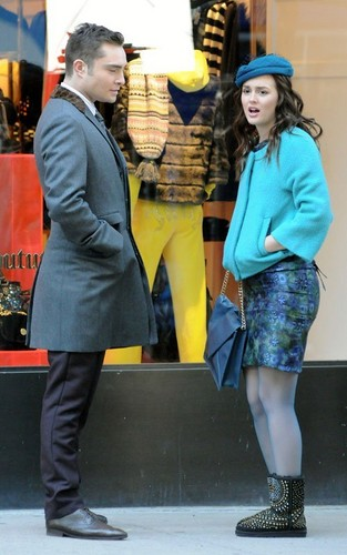 Leighton Meester and Ed Westwick on the set of 'Gossip Girl' (October 25).