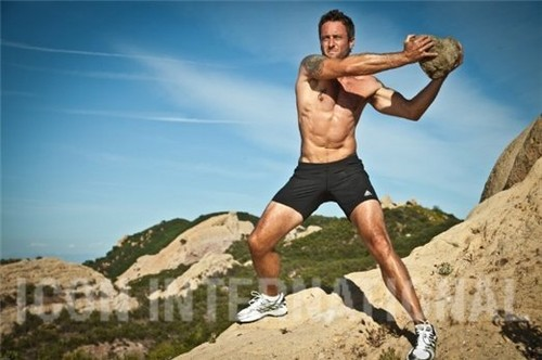 Alex O'Loughlin wallpaper possibly containing a hunk, a six pack, and skin entitled Men's Fitness Outtakes <3