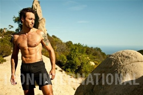 Alex O'Loughlin wallpaper with a hunk, a six pack, and swimming trunks titled Men's Fitness Outtakes <3