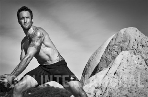 Alex O'Loughlin wallpaper probably containing a hunk entitled Men's Fitness Outtakes <3