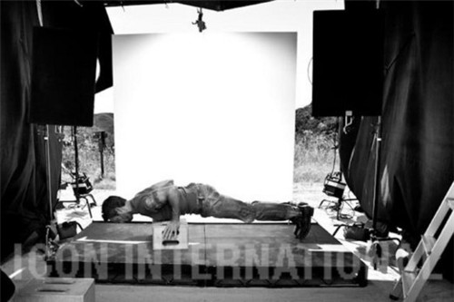 Alex O'Loughlin wallpaper containing a living room called Men's Fitness Outtakes <3