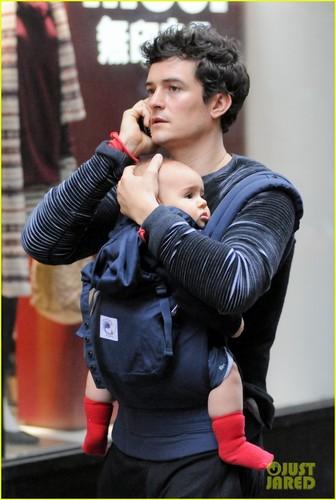 Orlando Bloom: Daddy Duty With Baby Flynn!
