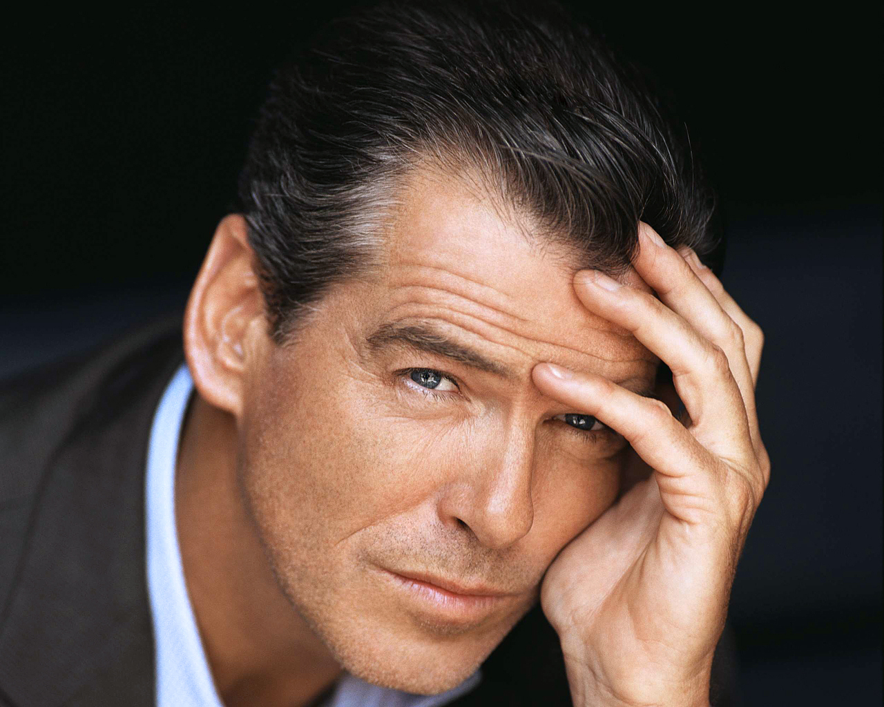 PIERCE BROSNAN HANDSOME