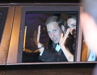 Prince William and Kate Middleton wallpaper probably with a sign entitled Prince William&Catherine
