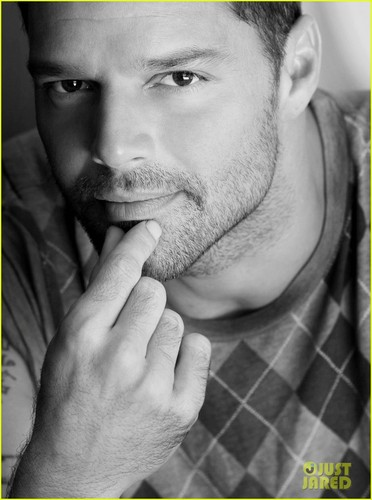 Ricky Martin in 'Evita' - Sneak Peek!