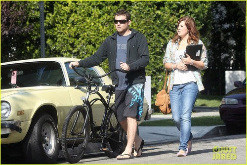 Sam Worthington: Bike Ride in West Hollywood